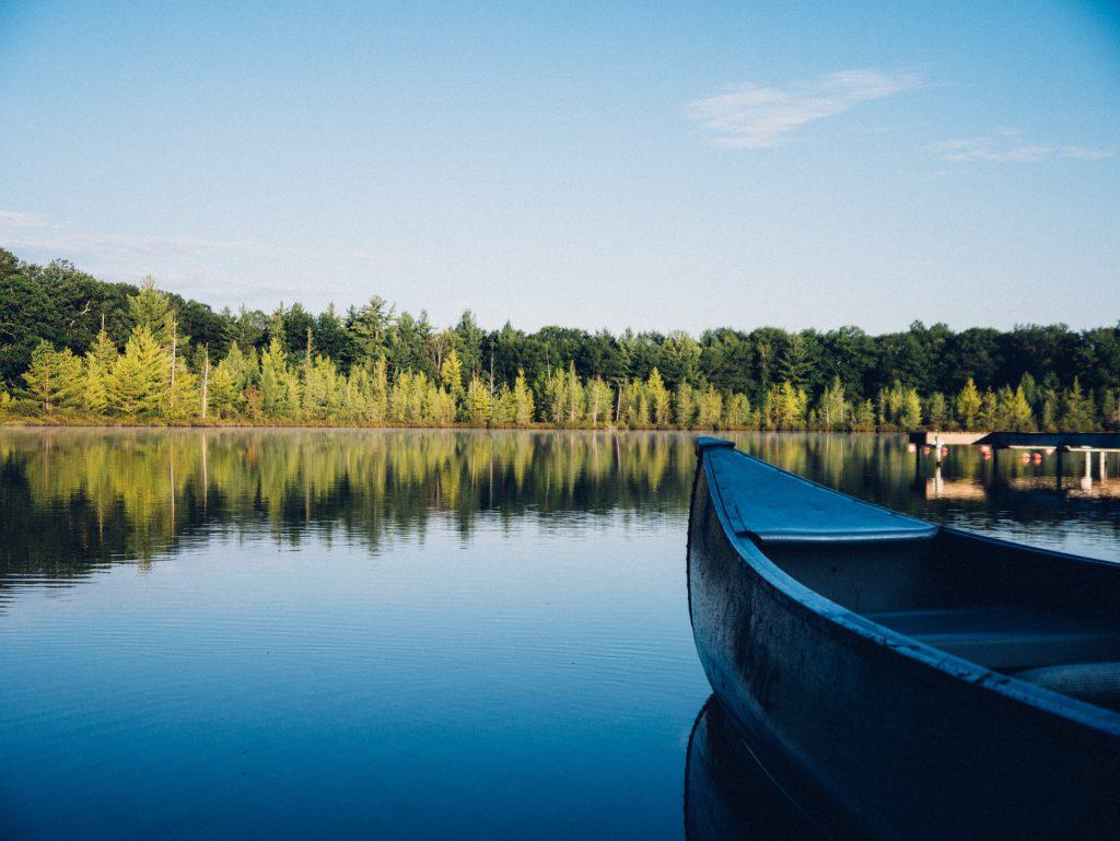 Fiske från båt i Lappland